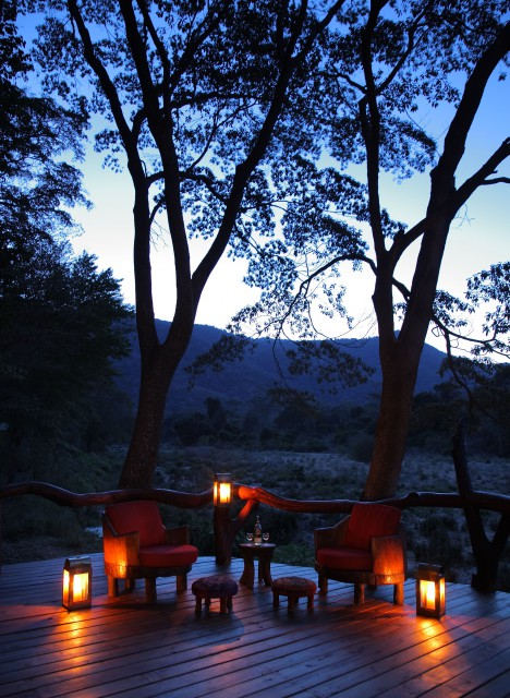 Kitich Camp - Sundowners on the veranda