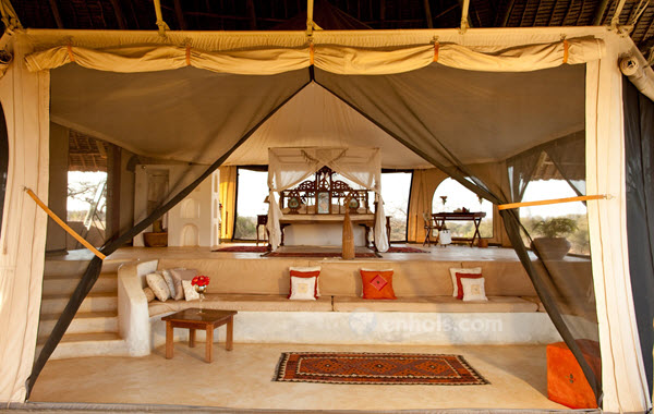 Saasab-camp-samburu-luxury-room