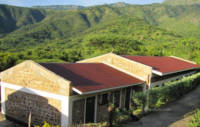 Sego-Safari-Lodge-Buildings