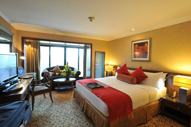 Nairobi-Intercontinental-hotel-room-interior