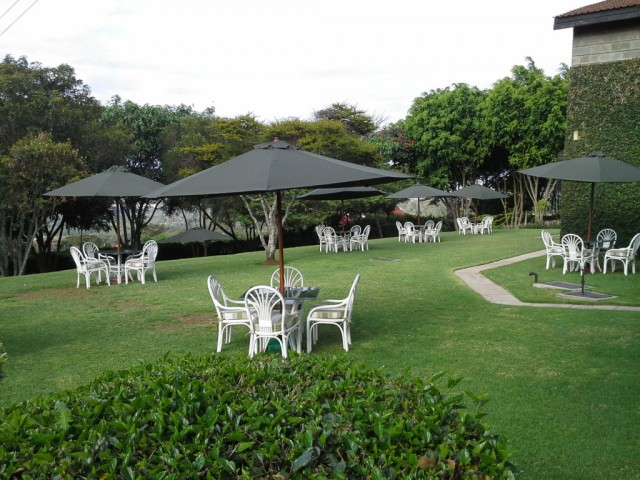 Milimani-Guest-House-lawns-1024x768